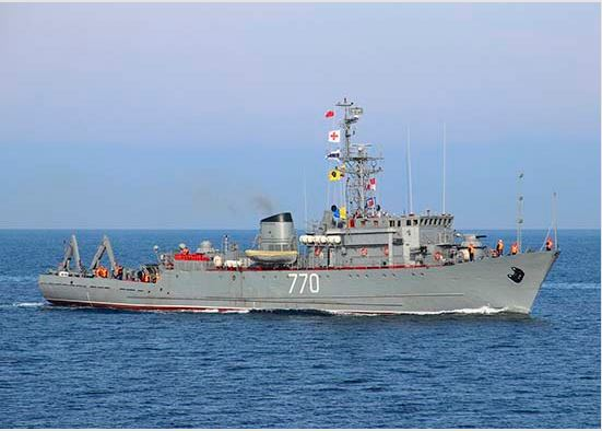 The crew of the Black Sea Fleet minesweeper Valentin Pikul worked out mine action in the Kerch Strait